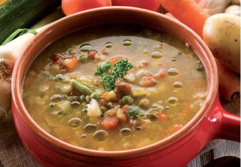 Италианска зеленчукова супа Минестроне