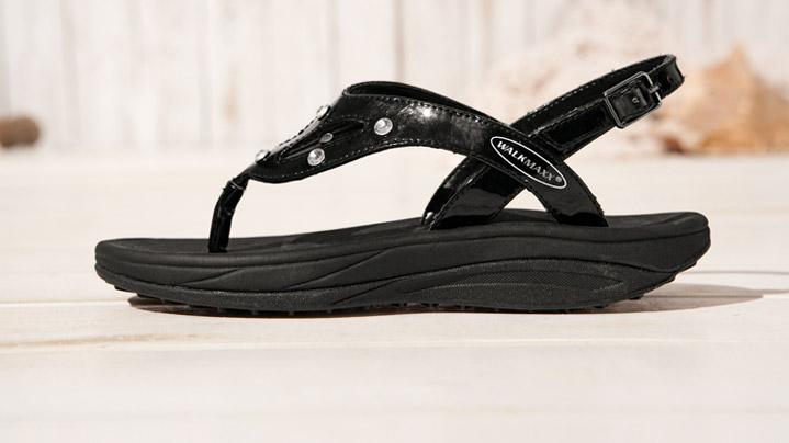 Walkmaxx сандали со кристали